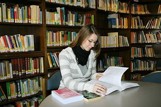 Arbeiten in der Fachbibliothek