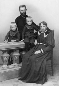 Otto Kuhr mit Familie