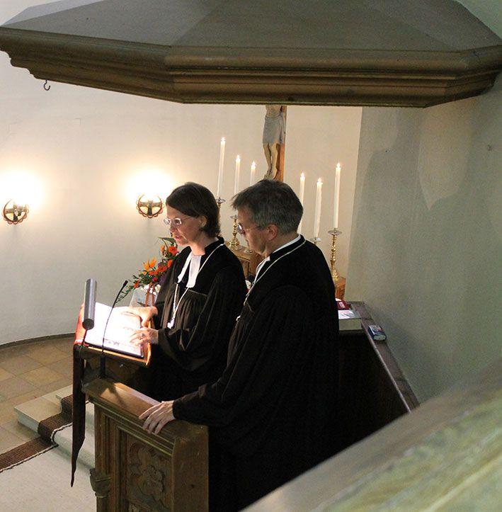 Die Direktoren des Centrums predigen