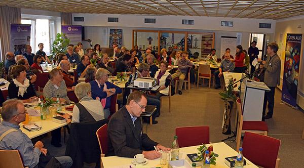 Rund 100 Beauftragte und Pfarrer/innen bei der Jahrestagung in Neuendettelsau © Helge Neuschwander-Lutz