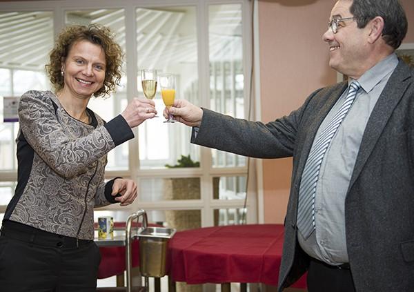 Gratulation an Dr. Claudia Jahnel zu ihrer erfolgreichen Habilitation. © MEW/Ermann