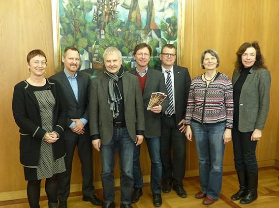 Teilnehmende der Pressekonferenz zum Konvent für das Menschenrecht auf Nahrung durch die Bewahrung der biologischen Vielfalt am 06.03.2015