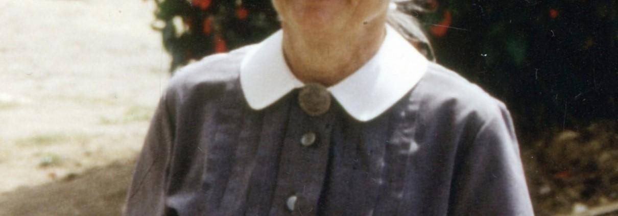 Auch nach ihrem Ruhestand war Schwester Christine Bohne wie hier im Jahr 1994 mehrmals in Karatu. © MEW