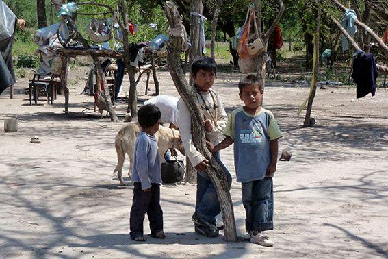 Indigene Kinder in Argentinien