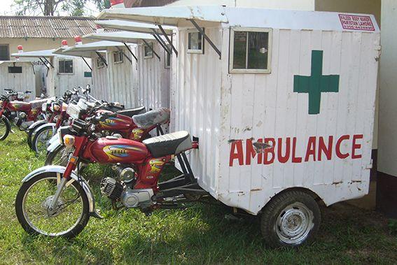 Krankentransport mit dem Motorrad in Liberia