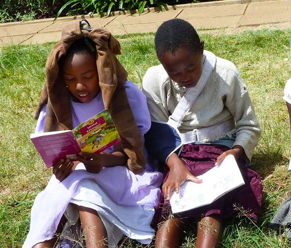 Mädchen im PLCC, Kenia