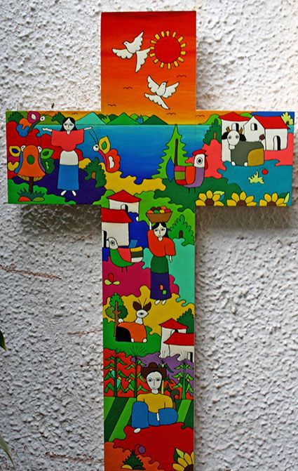 Ein buntes Kreuz aus El Salvador