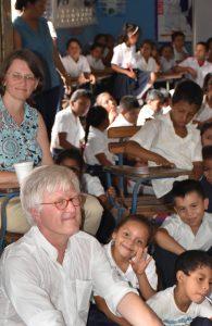 Foto: Dr. Gabriele Hoerschelmann und Dr. Bedford-Strom während einer Mittelamerikareise