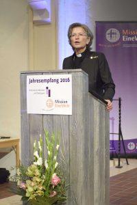 Regionalbischöf Susanne Breit-Kessler bei ihrem Grußwort.