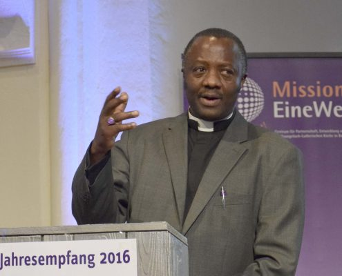 Dr. Fidon Mwombeki, Lutherischer Weltbund