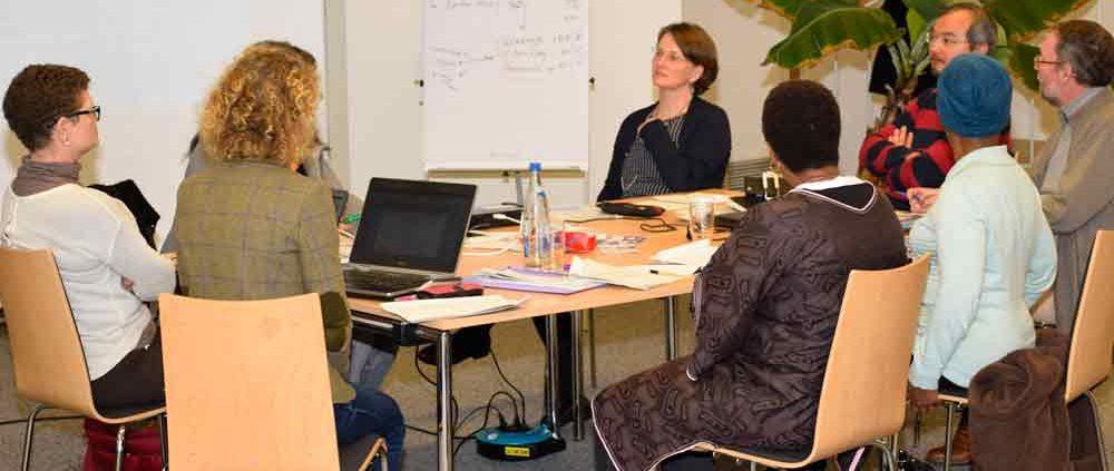 Gemeinsam werden die Inhalte des internationalen Masterstudiengangs vom Vorbereitungsteam konzipiert © MEW/Denk