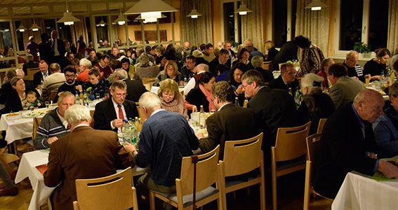 Rund 150 Gäste waren zur Verabschiedung nach Neuendettelsau gekommen. ©MEW/Neuschwander-Lutz