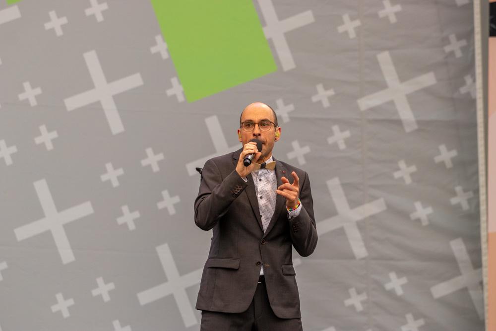 "Jörg Schwartzmanns, Sänger bei VIVA VOCE (""Beatbox"")"