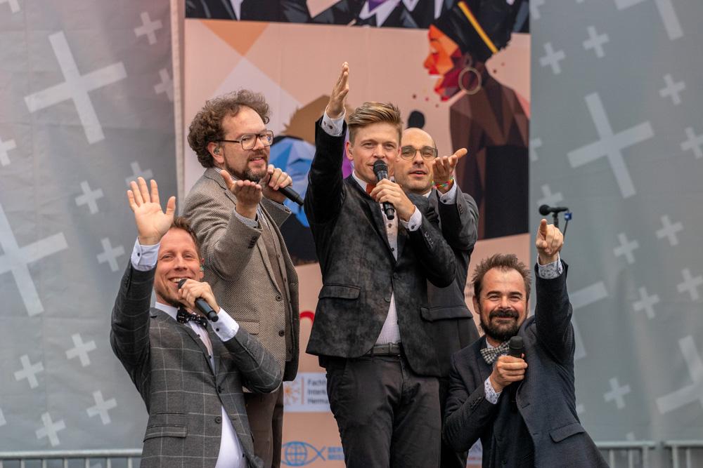 VIVA VOCE auf der Bühne - Konzert der Missionswerke am Kirchentag in Dortmund