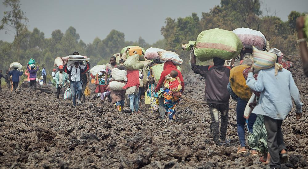 © Foto: Donjuan Masudi/VEM | Hunderttausende sind vor dem Vulkanausbruch geflohen, die Angst vor weiteren Eruptionen hält an.